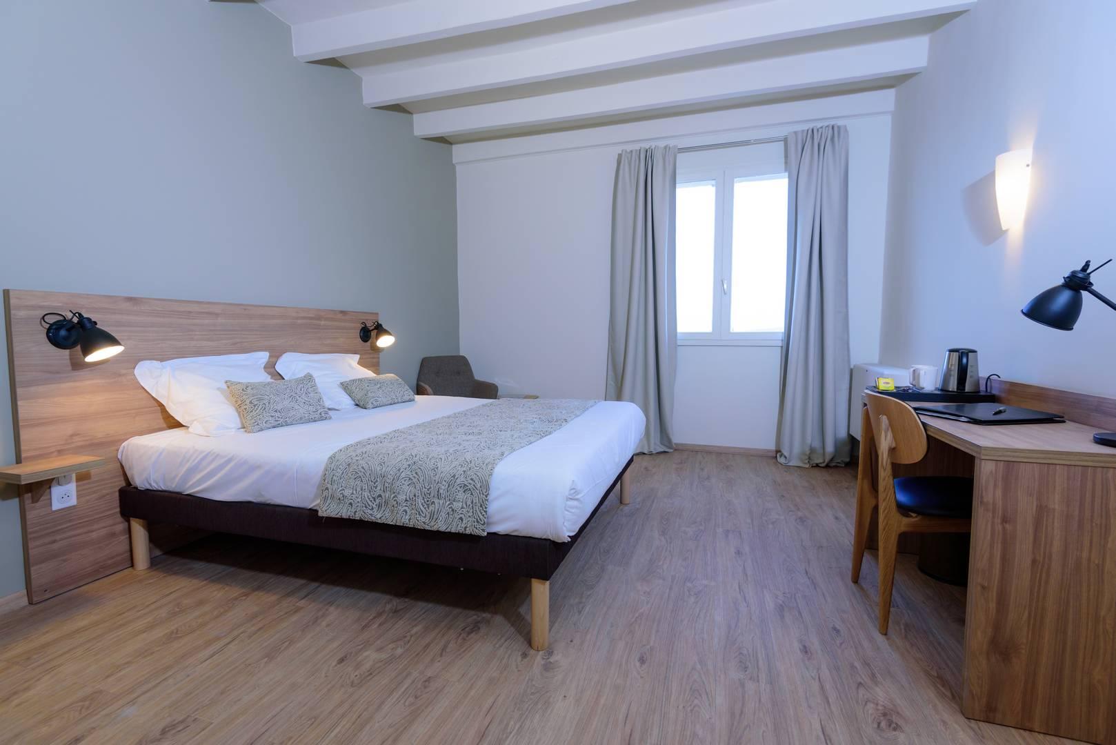 Grande chambre d'hôtel de charme en Provence