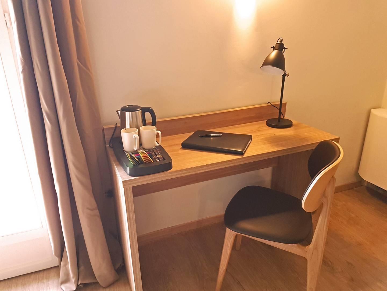 chambre-28-bureau - Hôtel Belesso